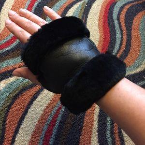 Accessories - New Merino genuine sheepskin fur fingerless gloves